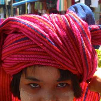 Miss scarf seller!