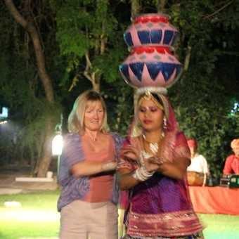 Recruiting Bollywood dancers