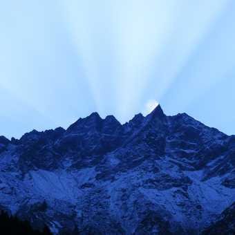 sunrise over lukla