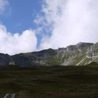 Standing amidst savage scenery, pt 2 - The PadasterJochHaus