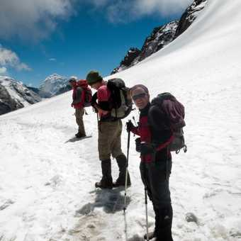 Heading across the glacier at the top of the Cho La Pass.
