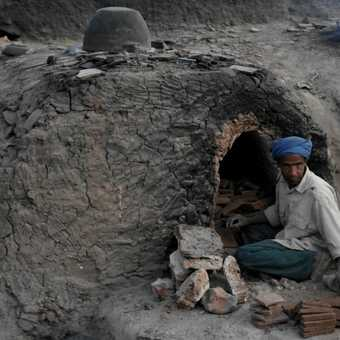 Brick maker
