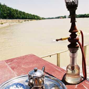 Having a smoke in Isfahan