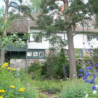 Sibelius House (rear and garden)
