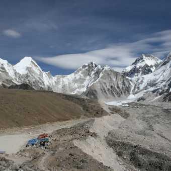 Gorak Shep tea house (trek up to Kala Pattar on the left and base camp far right)