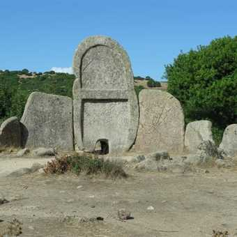 The Giant's tomb