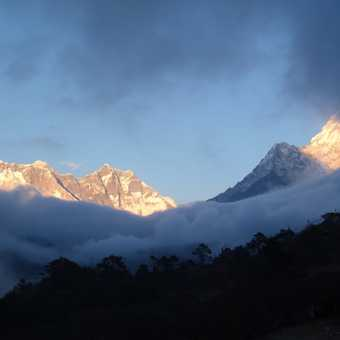 Back at Tengboche the first clouds for 2 weeks started to roll in...