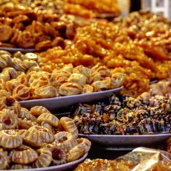 Cherry on a cake - Marrakesh and its souks. Time to make up for lost calories!