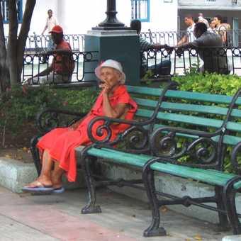 Lady with cigar, Santiago de Cuba