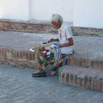 Lady sewing Bayamo