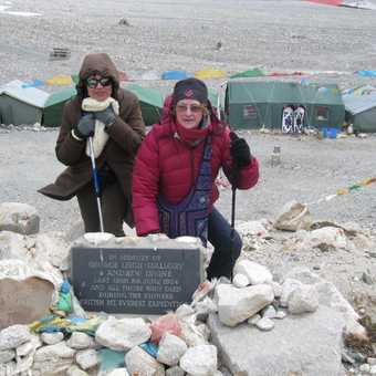 Susan & Maite at Everest