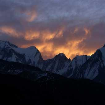 Sunrise over Gandarba Chuli