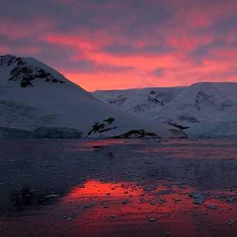 Sunrise in Neko harbour