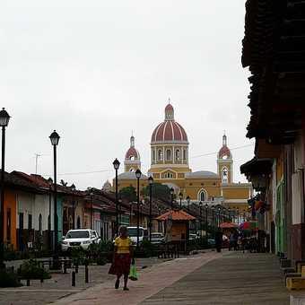 La Calzada street