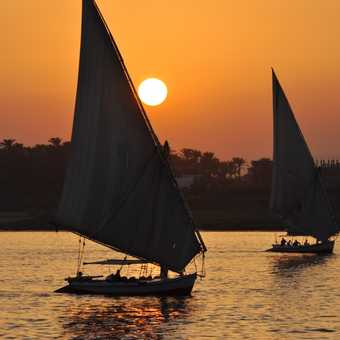 Felucca at sunset2