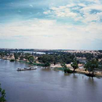 Murray River ferry crossing, SA