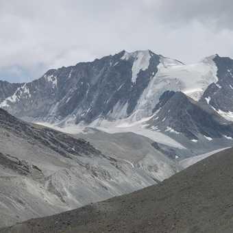 The Gumburanjan monolith - sacred for Zanskaris