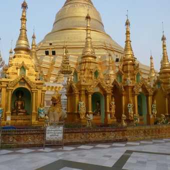 The magnificent Shwedagon Pagoda in Yangon
