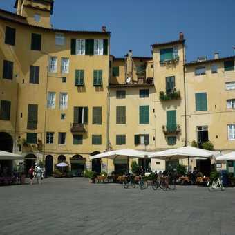 Lucca - Piazza dell Anfiteatro