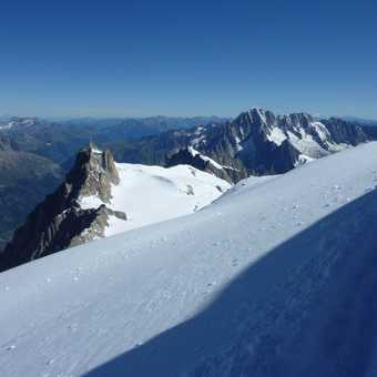 1summit down,2nd in sight mount maudit,the scene of 2 deaths that day :o(