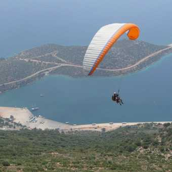 Paragliding over the Peninsula