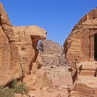 Beautiful ruin on Petra hike