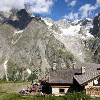 Bonatti refuge