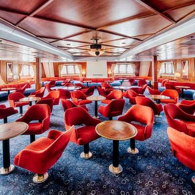 Ocean Adventurer lounge