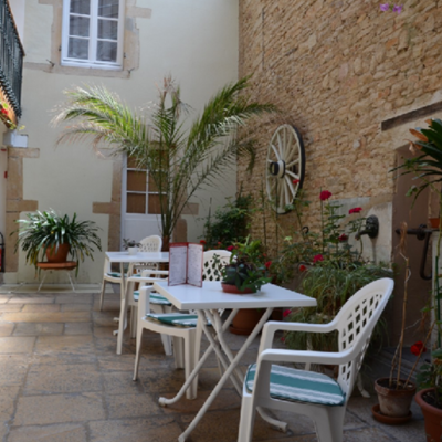 Patio at Hotel Remparts
