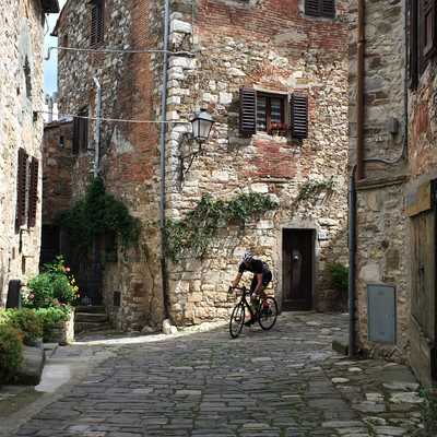 Exodus guide Radu in Tuscany