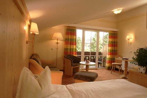 Bedroom at Hotel Bergrose, Strobl
