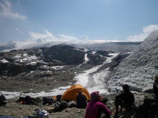 8/4 Camp at Mera La ( 5,400m) looking to Mera Peak