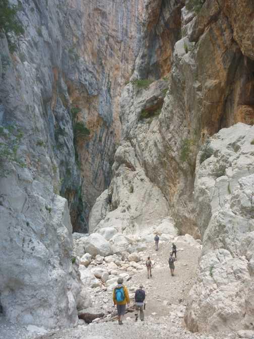 Exploring Gorrupu Gorge