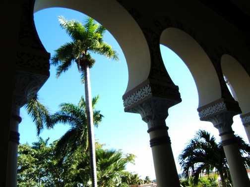 Cienfuegos, Moorish restaurant
