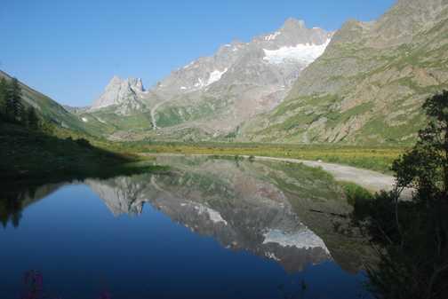 Ascending towards Col de la Seigne