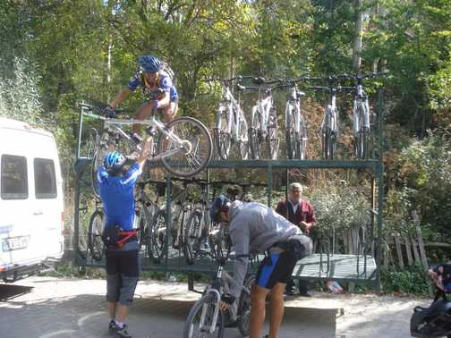 Leaders loading bikes