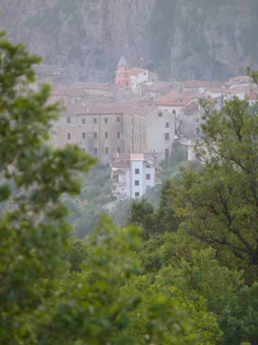 A glimpse of Sant'Angelo a Fasanella