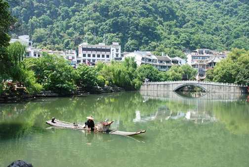 Fisherman on lake Yangshuo