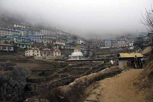 Clouds move in over Namche
