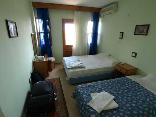 Room at back of hotel Oreo