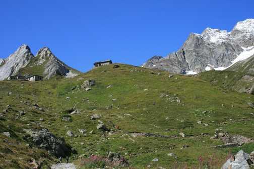 Another stunning mountain scene