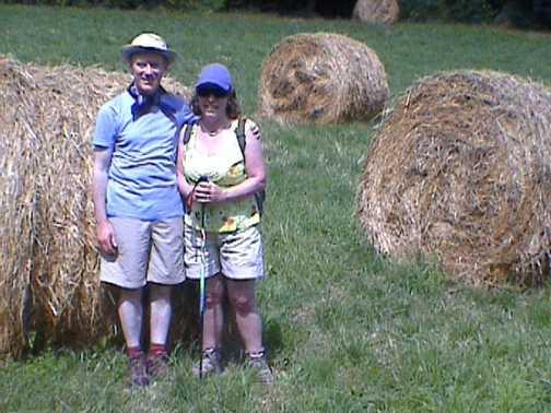 Tony & Bridget in Tuscan field