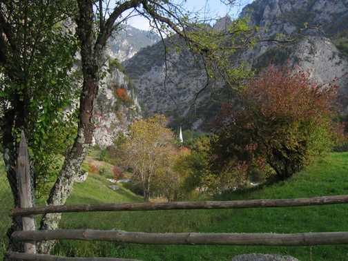 Autumn in Trigrad Gorge_1