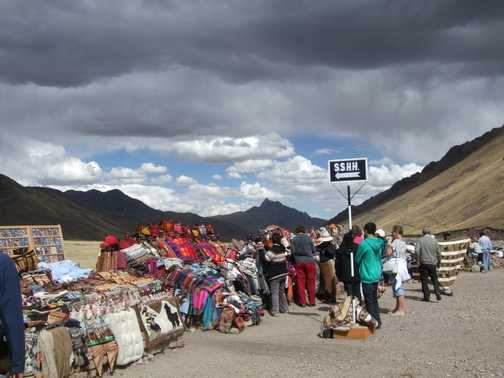Roadside stalls on way to Punto