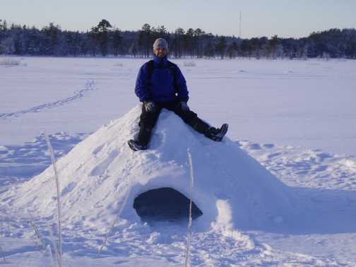 Strong igloo(quincy) on lake