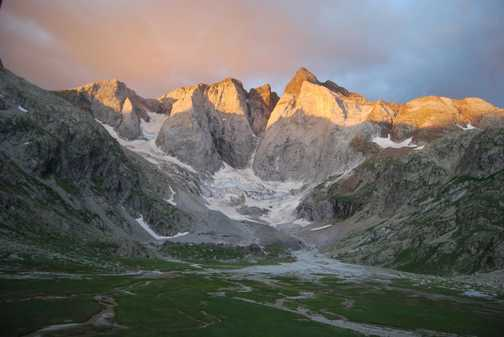 Dawn over Vignemale from Rif des Oulettes