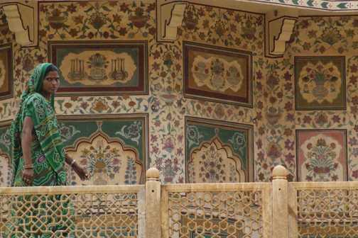 Sari at the Amber Fort