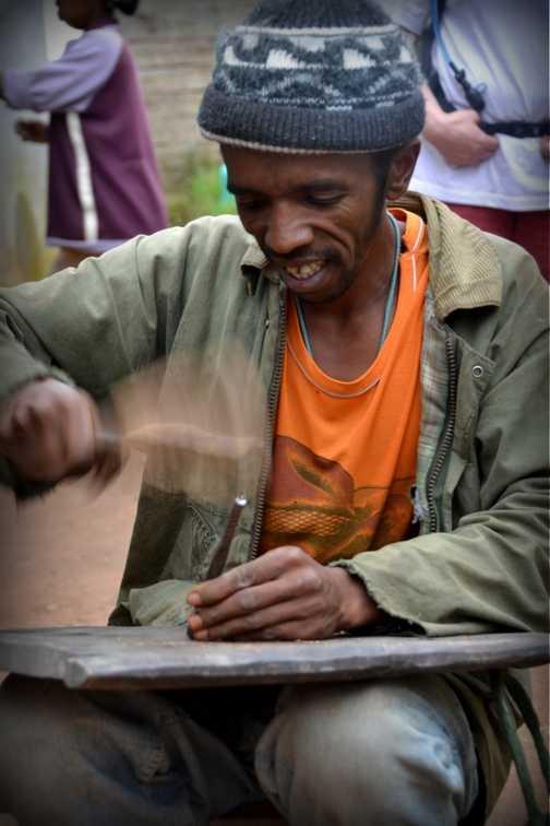 Antoetra wood craftsman