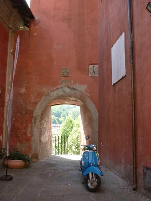Castelnuovo - Vespa!