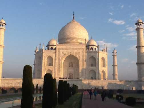Taj in morning sun